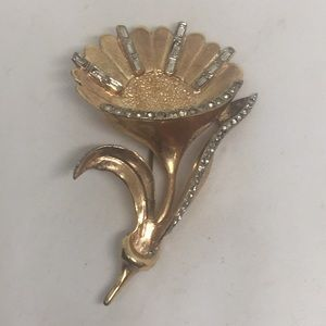 Vintage Flower Mellow Gold Tone Brooch Pin